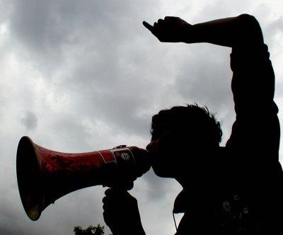 demonstrasi Gerakan Mahasiswa Pelajar Padang Lawas (GMP3); Tangkap Pemilik Perusahaan Ilegal ..!